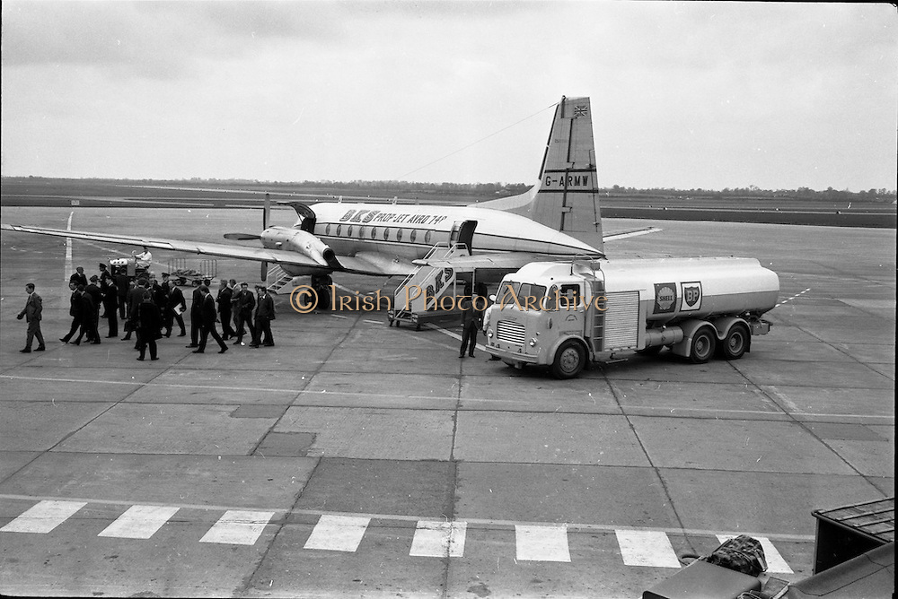 01/04/1963<br /> 04/01/1963<br /> 01 April 1963<br /> Refuelling of B.K.S. AVRO 748 prop-jet (G-ARMW) at Dublin Airport. Picture shows the Shell BP Leyland Hippo fuel truck by the aircraft as passengers disembark. Note BKS luggage transporter.
