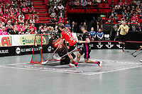 2019-04-27 |Stockholm | Storvreta (17) Niklas WInroth scores 5-3 on Falun goalie (35) Johan Rehn during the Final Game in SSL Floorball between Storvreta IBK and IBF Falun at Globen Arena. (Photo by: Daniel Carlstedt | Swe Press Photo).