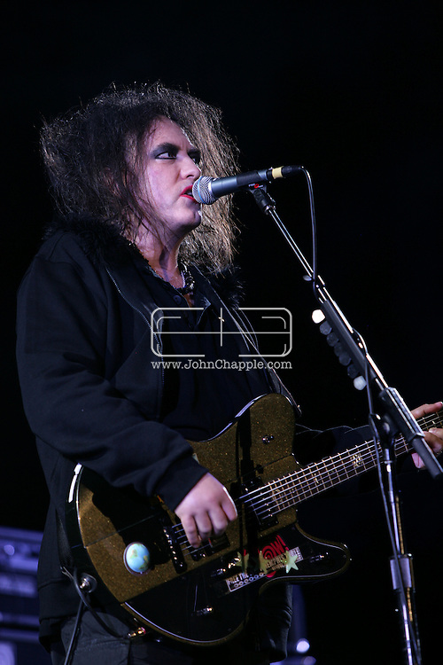 19th April 2009. Indio, California. Robert Smith of The Cure, on stage at the Coachella Music Festival..PHOTO © JOHN CHAPPLE / REBEL IMAGES.tel +1 310 570 9100    john@chapple.biz