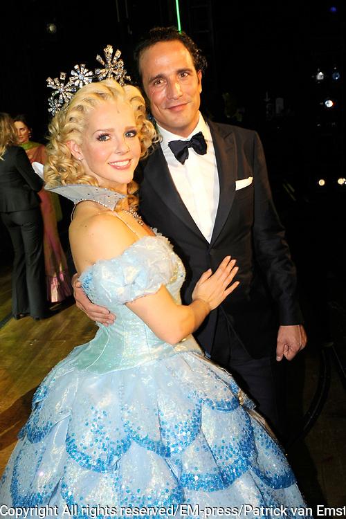 Premiere musical Wicked in het Circus Theater, Scheveningen.<br /> <br /> Op de foto:   Chantal Janzen en partner Marco Geeratz