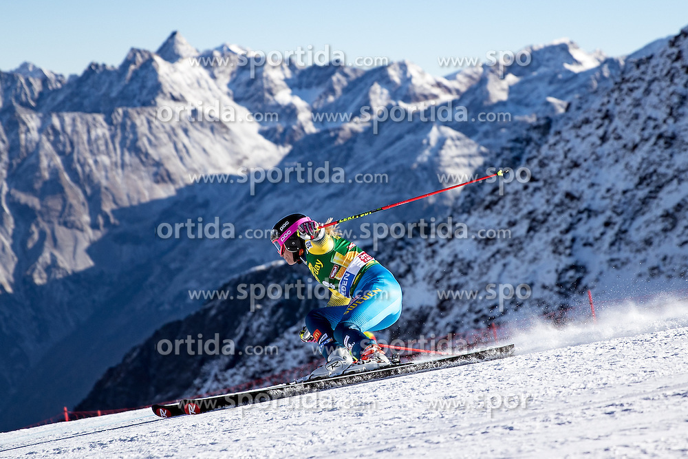 22.10.2016, Rettenbachferner, Soelden, AUT, FIS Weltcup Ski Alpin, Soelden, Riesenslalom, Damen, 1. Durchgang, im Bild Frida Hansdotter (SWE) // Frida Hansdotter of Sweden in action during 1st run of ladies Giant Slalom of the FIS Ski Alpine Worldcup opening at the Rettenbachferner in Soelden, Austria on 2016/10/22. EXPA Pictures © 2016, PhotoCredit: EXPA/ Johann Groder