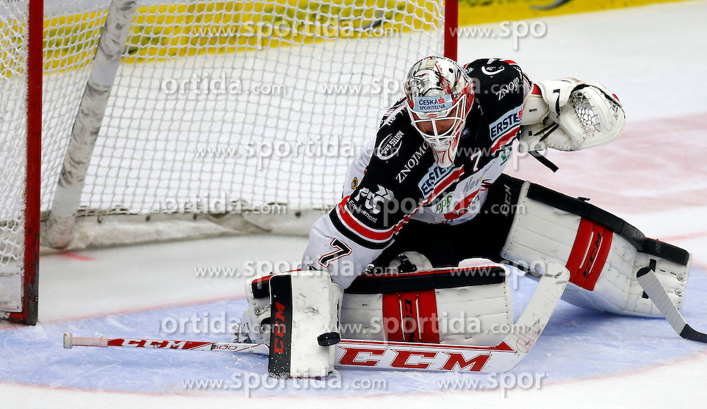09.10.2015, Stadthalle, Villach, AUT, EBEL, EC VSV vs HC Orli Znojmo, 9. Runde, im Bild Patrik Nechvatal (Znojmo) // during the Erste Bank Icehockey League 9th round match between EC VSV vs HC Orli Znojmo at the City Hall in Villach, Austria on 2015/10/09, EXPA Pictures © 2015, PhotoCredit: EXPA/ Oskar Hoeher