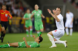 18.01.2010, Green Point Stadium, Cape Town, RSA, FIFA WM 2010, England (ENG) vs Algeria (ALG), im Bild John Terry of England reacts after he fouls Karim Matmour of Algeria. EXPA Pictures © 2010, PhotoCredit: EXPA/ IPS/ Marc Atkins / SPORTIDA PHOTO AGENCY