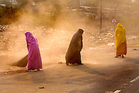 Women sweep the side of the streets near the Galta-Monkey Palace just outside Jaipur City india Nov. 16, 2006 Jaipur India.    (photo by Darren Hauck)..........................