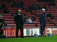 Photo: Andrew Unwin.<br /> Sunderland v Northwich Victoria. The FA Cup. 08/01/2006.<br /> Northwich's manager, Steve Burr (L), and Sunderland's manager, Mick McCarthy (R).