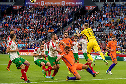 03-09-2017 NED: WK Kwalificatie Nederland - Bulgarije, Amsterdam<br /> Het Nederlands elftal heeft de hoop op deelname aan het WK van volgend jaar in Rusland levend gehouden. Na het echec van Parijs greep Oranje tegen Bulgarije in Amsterdam de laatste strohalm: 3-1 / Vincent Janssen #9, Davy Propper #10, Plamen Iliev #13