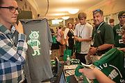 Students sign up for the O Zone at Bobcat Student Orientation (BSO). Photo by Ben Siegel