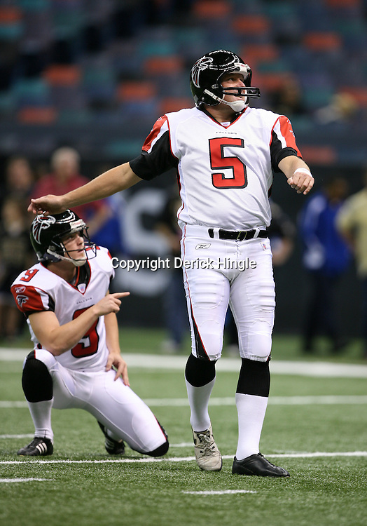 2007 October, 21: Falcons kicker Morten Andersen (5) prior to kickoff of a 22-16 win by the New Orleans Saints over the Atlanta Falcons at the Louisiana Superdome in New Orleans, LA.