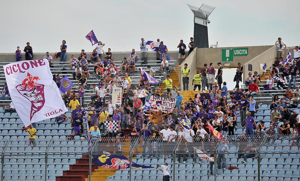 Udine, 18 Settembre 2011.Campionato di calcio Serie A 2011/2012  3^ giornata..Udinese vs Fiorentina. Stadio Friuli..Nella Foto: tifiosi della Fiorentina..© foto di Simone Ferraro