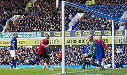 29.10.2011, Goodison Park, Liverpool, ENG, PL, Everton FC vs Manchester United FC, im Bild Manchester United's Javier Hernandez scores the first goal against Everton during the Premiership match at Goodison Park // during FA Premiere League Football match between Everton and vs Manchester United FC at Goodison Park, Liverpool, United Kingdom on 29/10/2011. EXPA Pictures © 2011, PhotoCredit: EXPA/ Propaganda Photo/ Vegard Grott +++++ ATTENTION - OUT OF ENGLAND/GBR+++++