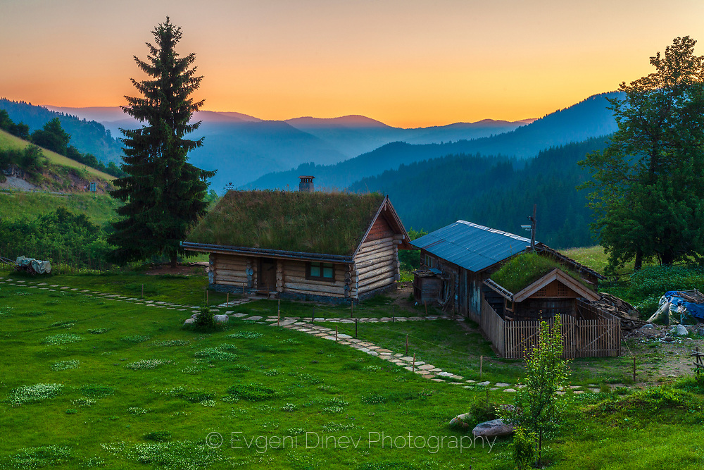 Rgodopean village Gela at sunrise