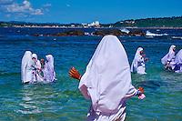 Sri Lanka, province du sud, district de Galle, Galle, Vieille ville classée patrimoine mondial de l'UNESCO, écolières musulmanes sur la plage // Sri Lanka, Southern Province, South Coast beach, Galle, old town, Dutch fort, UNESCO World Heritage site, muslim school girls on the beach