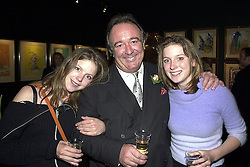 Left to right, MISS OLIVIA LLEWELLYN, her father SIR DAI LLEWELLYN and <br /> MISS ARABELLA LLEWELLYN, at an exhibition in London on 24th May 2000.OEM 22<br /> © Desmond O'Neill Features:- 020 8971 9600<br />    10 Victoria Mews, London.  SW18 3PY <br /> www.donfeatures.com   photos@donfeatures.com<br /> MINIMUM REPRODUCTION FEE AS AGREED.<br /> PHOTOGRAPH BY DOMINIC O'NEILL