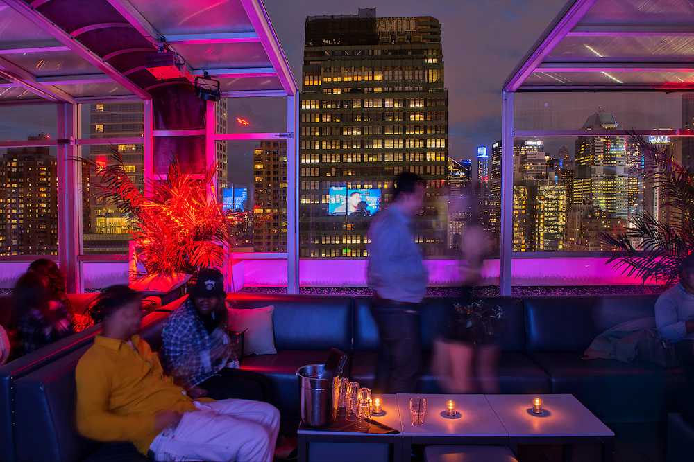 USA, East Coast, New York, Manhattan,Sky Room, Rooftop Bar in Midtown