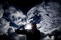 WIMEREUX - (Illustratief) silhouet Golfer, Copyright Koen Suyk