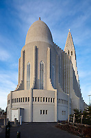 Hallgrímskirkja er 74,5 metra há kirkja á Skólavörðuholti í Reykjavík. Hallgrímskirkja sést víða að og er þekkt kennileiti í Reykjavík. Kirkjan var reist á árunum 1945-1986 og er nefnd eftir Hallgrími Péturssyni sálmaskáldi. Arkitekt var Guðjón Samúelsson, húsameistari ríkisins.