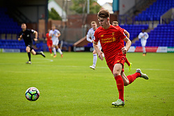 BIRKENHEAD, ENGLAND - Sunday, September 25, 2016: Liverpool's Ben Woodburn in action against Sunderland during the FA Premier League 2 Under-23 match at Prenton Park. (Pic by Concepcion Valadez/Propaganda)
