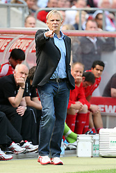 30.04.2010,  Rhein Energie Stadion, Koeln, GER, 1.FBL, FC Koeln vs Bayer 04 Leverkusen, 31. Spieltag, im Bild: Volker Finke (Trainer Koeln) zeigt etwas an  EXPA Pictures © 2011, PhotoCredit: EXPA/ nph/  Mueller       ****** out of GER / SWE / CRO  / BEL ******