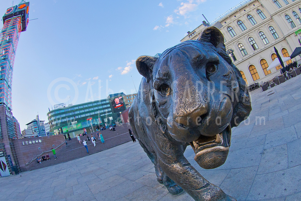Alberto Carrera, Tiger Sculpture, Jernbanetorget Square, Central Train Station, Oslo, Norway, Europe
