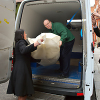 .London Feb 17  One of  Harrods employee deliver to Jade Goody her wedding dress for the week end ceremony..Standard Licence feee's apply  to all image usage.Marco Secchi - Xianpix tel +44 (0) 845 050 6211 .e-mail ms@msecchi.com .http://www.marcosecchi.com