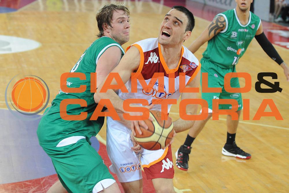 DESCRIZIONE : Roma Lega A 2009-10 Lottomatica Virtus Roma Benetton Treviso<br /> GIOCATORE : Tadija Dragicevic<br /> SQUADRA : Lottomatica Virtus Roma<br /> EVENTO : Campionato Lega A 2009-2010 <br /> GARA : Lottomatica Virtus Roma Benetton Treviso<br /> DATA : 07/02/2010<br /> CATEGORIA : Palleggio<br /> SPORT : Pallacanestro <br /> AUTORE : Agenzia Ciamillo-Castoria/GiulioCiamillo<br /> Galleria : Lega Basket A 2009-2010 <br /> Fotonotizia : Roma Campionato Italiano Lega A 2009-2010 Lottomatica Virtus Roma Benetton Treviso<br /> Predefinita :