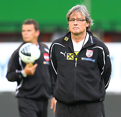02.06.2011, Ernst Happel Stadion, Wien, AUT, UEFA EURO 2012, Qualifikation, Abschlusstraining Oesterreich (AUT), im Bild Didi Constantini, (AUT, Headcoach)  // during the final training from Austria for the UEFA Euro 2012 Qualifier Game, Austria vs Germany, at Ernst Happel Stadium, Vienna, 2010-06-02, EXPA Pictures © 2011, PhotoCredit: EXPA/ T. Haumer