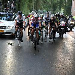 04-09-2016: Wielrennen: Ladies Tour: Valkenburg<br />VALKENBURG (NED) wielrennen    <br />Kopgroep na Slenaken