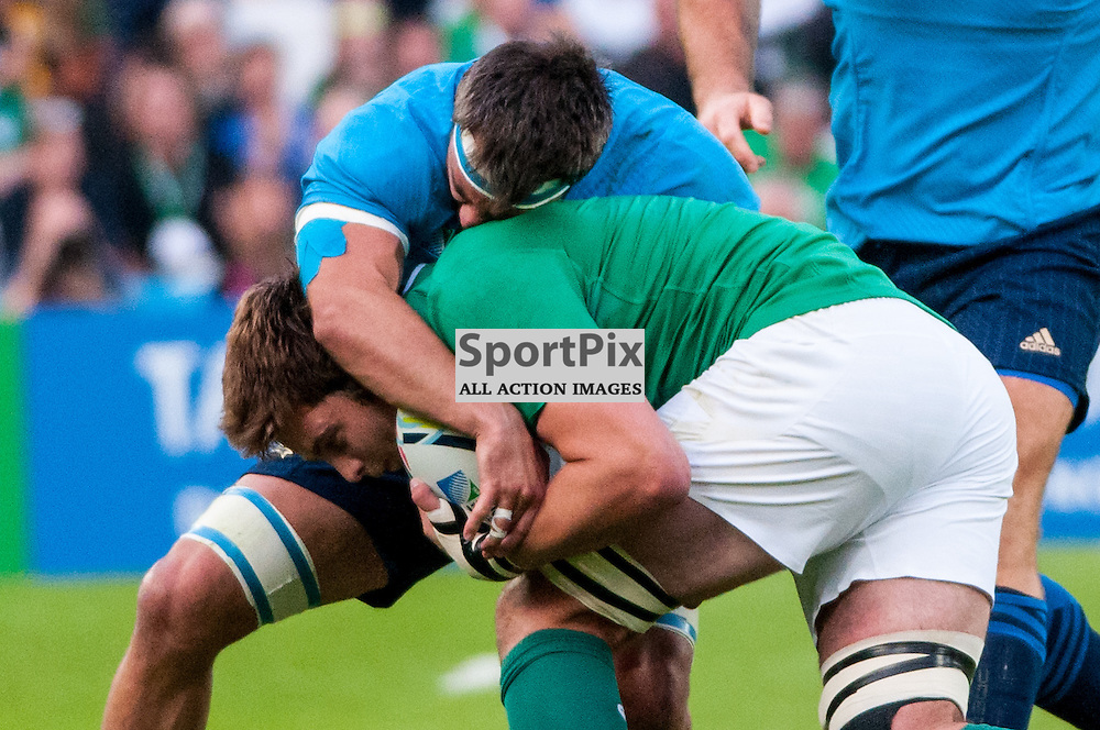 Action from the Ireland v Italy pool game at the 2015 Rugby World Cup at Queen Elizabeth Stadium in London, 4 October 2015. (c) Paul J Roberts / Sportpix.org.uk