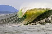 Alaskan-tube, Pitching wave off the Alaskan coast