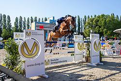 SCHR?DER, Gerco (NED), Davino Q<br /> Berlin - Global Jumping Berlin 2019<br /> CSI5* - Preis der Deutsche Vermögensberatung AG - DVAG<br /> GCL Team-Wettbewerb, 1. Runde <br /> Springprüfung nach Strafpunkten und Zeit für Teams und Einzelreiter, international<br /> 26. Juli 2019<br /> © www.sportfotos-lafrentz.de/Stefan Lafrentz
