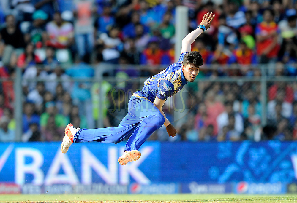 Hardik Pandya of Mumbai Indians bowls during match 46 of the Pepsi IPL 2015 (Indian Premier League) between The Mumbai Indians and The Royal Challengers Bangalore held at the Wankhede Stadium in Mumbai, India on the 10th May 2015.<br /> <br /> Photo by:  Pal Pillai / SPORTZPICS / IPL