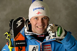 13.02.2013, Planai, Schladming, AUT, FIS Weltmeisterschaften Ski Alpin, Super Kombination, Herren, Medaillen Praesentation, im Bild Romed Baumann (AUT), Bronzemedaillen Gewinner // Romed Baumann of austria poses with his Bronze Medal during Mens Super Combined Medal Presentation at the FIS Ski World Championships 2013 at the Planai Course, Schladming, Austria on 2013/02/13 ***** ACHTUNG: VERÖFFENTLICHUNGS- SPERRFRIST 18:30 Uhr ***** Bild bei redaktioneller Verwendung honorarfrei // ***** PLEASE NOTE: Publication EMBARGO 18:30 clock *****. EXPA Pictures © 2013, PhotoCredit: EXPA/ Erich Spiess
