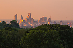 2016-07-20 London weather - another hot day dawns, seen from Hampstead Heath