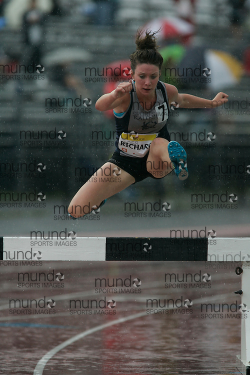 Ottawa, Ontario ---10-08-08--- Richards competes in the steeplechase at the 2010 Royal Canadian Legion Youth Track and Field Championships in Ottawa, Ontario August 8, 2010..GEOFF ROBINS/Mundo Sport Images.