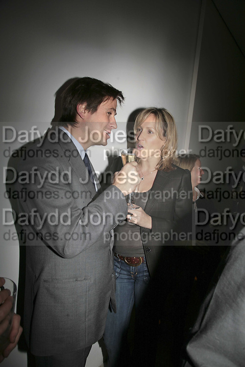 Edward Robertson and Santa Sebag-Montefiore, India Hicks And Crabtree & Evelyn launch new skincare range. : Hempel Hotel, 31-35 Craven Hill Gardens, London, W2, 22 November 2006. ONE TIME USE ONLY - DO NOT ARCHIVE  © Copyright Photograph by Dafydd Jones 66 Stockwell Park Rd. London SW9 0DA Tel 020 7733 0108 www.dafjones.com