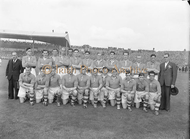 The Armagh team before the All Ireland Senior Gaelic Football Final Armagh v Kerry in Croke Park on the 27th September 1953. Kerry 0-13, Armagh 1-06.<br />
