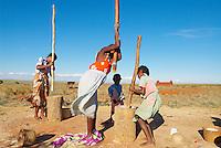Madagascar. Village d'ethnie Bara, eleveurs et pasteurs. // Madagascar. Bara ethnic group village.