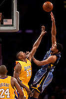 06 November 2009: Forward Rudy Gay of the Memphis Grizzles shoots the ball over Ron Artest of the Los Angeles Lakers during the second half of the Lakers 114-98 victory over the Grizzles at the STAPLES Center in Los Angeles, CA.