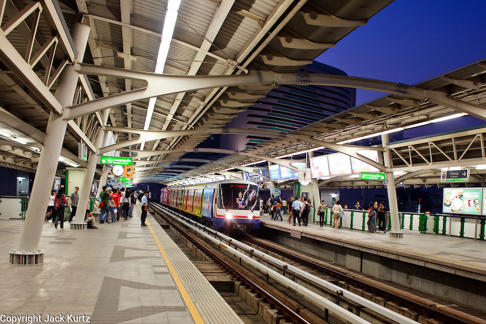 Mar. 19, 2009 -- BANGKOK, THAILAND: The Asoke Skytrain Station in Bangkok, Thailand. Photo by Jack Kurtz
