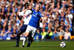 Davy Klaassen of Everton takes on Davinson Sanchez of Tottenham Hotspur - Mandatory by-line: Robbie Stephenson/JMP - 09/09/2017 - FOOTBALL - Goodison Park - Liverpool, England - Everton v Tottenham Hotspur - Premier League