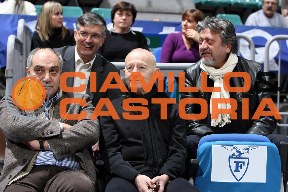 DESCRIZIONE : Bologna Lega A1 2008-09 GMAC Fortitudo Bologna Benetton Treviso<br /> GIOCATORE : Sponsor<br /> SQUADRA : GMAC Fortitudo Bologna <br /> EVENTO : Campionato Lega A1 2008-2009<br /> GARA : GMAC Fortitudo Bologna Benetton Treviso<br /> DATA : 22/11/2008<br /> CATEGORIA : Sponsor<br /> SPORT : Pallacanestro<br /> AUTORE : Agenzia Ciamillo-Castoria/C.De Massis