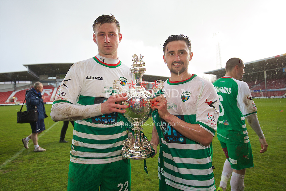 WREXHAM, WALES - Monday, May 2, 2016: The New Saints' goal-scorers Scott Quigley and Ryan Brobbel celebrate with the trophy after the 2-0 victory over Airbus UK Broughton during the 129th Welsh Cup Final at the Racecourse Ground. (Pic by David Rawcliffe/Propaganda)