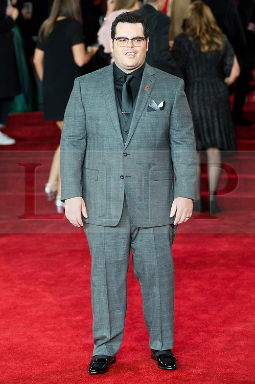 © Licensed to London News Pictures. 02/11/2017. London, UK. JOSH GAD attends the world film premiere of Murder On The Orient Express. Photo credit: Ray Tang/LNP