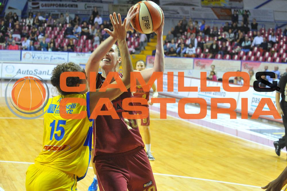 DESCRIZIONE : Venezia Lega A1 Femminile 2010-11 Q-Round Umana Reyer Venezia Lavezzini Parma<br /> GIOCATORE : Katherine Ohide<br /> SQUADRA : Umana Reyer Venezia<br /> EVENTO : Campionato Lega A1 Femminile 2010-2011<br /> GARA : Umana Reyer Venezia Lavezzini Parma<br /> DATA : 15/10/2010<br /> CATEGORIA : Tiro<br /> SPORT : Pallacanestro<br /> AUTORE : Agenzia Ciamillo-Castoria/M.Gregolin<br /> Galleria : Lega Basket Femminile 2010-2011<br /> Fotonotizia : Venezia Lega A1 Femminile 2010-11 Q-Round Umana Reyer Venezia Lavezzini Parma<br /> Predefinita :