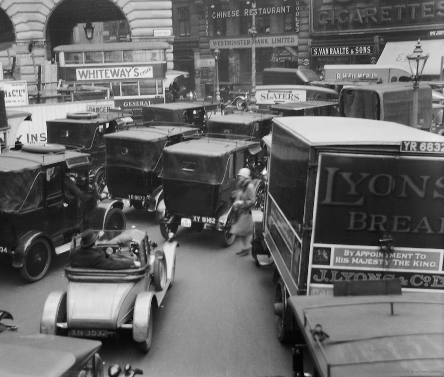 Traffic at Piccadilly, London, 1927