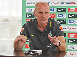 30.07.2010, Hotel, Bad Waltersdorf, AUT, Trainingslager Werder Bremen 1. FBL 2010 - Day02 im Bild Thomas Schaaf ( Werder  - Trainer  COACH)    EXPA Pictures © 2010, PhotoCredit: EXPA/ nph/  Kokenge+++++ ATTENTION - OUT OF GER +++++ / SPORTIDA PHOTO AGENCY