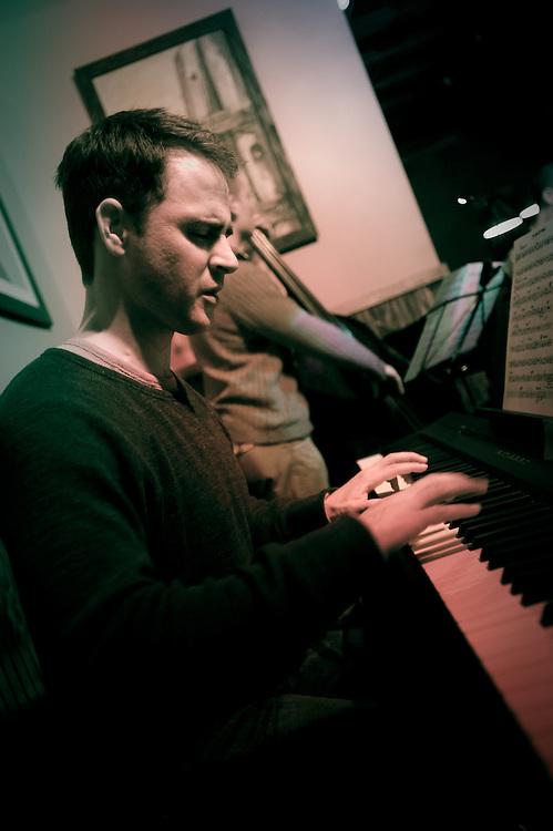 Broc Hempel, piano (electric)