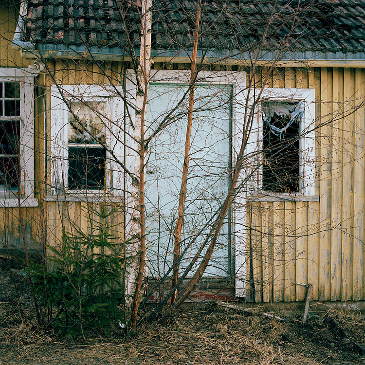 Abandoned house at Lotteriet, Norway. .. ..Photo by Knut Egil Wang /MOMENT