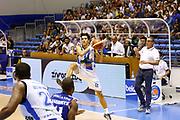 DESCRIZIONE : Capo dOrlando Lega A 2015-16 Betaland Orlandina Acqua Vitasnella Cantu<br /> GIOCATORE : Tommaso Laquintana<br /> CATEGORIA : passaggio Curiosita<br /> SQUADRA : Betaland Orlandina Basket<br /> EVENTO : Campionato Lega A Beko 2015-2016 <br /> GARA : Betaland Orlandina Acqua Vitasnella Cantu<br /> DATA : 04/10/2015<br /> SPORT : Pallacanestro <br /> AUTORE : Agenzia Ciamillo-Castoria/G.Pappalardo<br /> Galleria : Lega Basket A Beko 2015-2016<br /> Fotonotizia : Capo dOrlando Lega A Beko 2015-16 Betaland Orlandina Basket Acqua Vitasnella Cantu