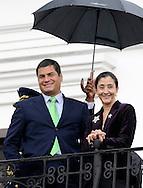 QUITO/ ECUADOR DIC/01/2008<br /> El Presidente de Ecuador, Rafael Correa (izq.), recib&iacute;o hoy a la ex candidata presidencial colombiana Ingrid Betancourt en una reuni&oacute;n privada en la sede del Gobierno ecuatoriano. Durante la reuni&oacute;n, la pol&iacute;tica franco-colombiana, rescatada de su cautiverio de la guerrilla de las FARC en julio pasado, le agradeci&oacute; las gestiones que en su d&iacute;a hizo por ella.<br /> (Photo by IPAPHOTO.COM)